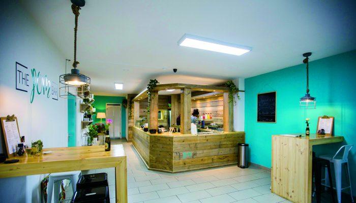 Restaurant Tip: The Pom Bar