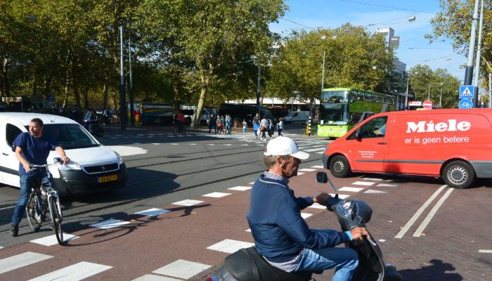 Veiliger Fietsen Op Kruising Marnixstraat-Elandsgracht