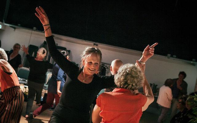 Dansen Tegen De Eenzaamheid