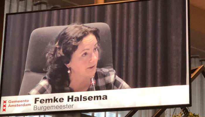 BURGEMEESTER HALSEMA BREEKT LANS VOOR CITY