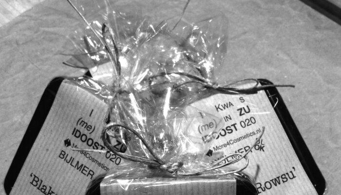 Strooien Met Bijlmer-cadeaus