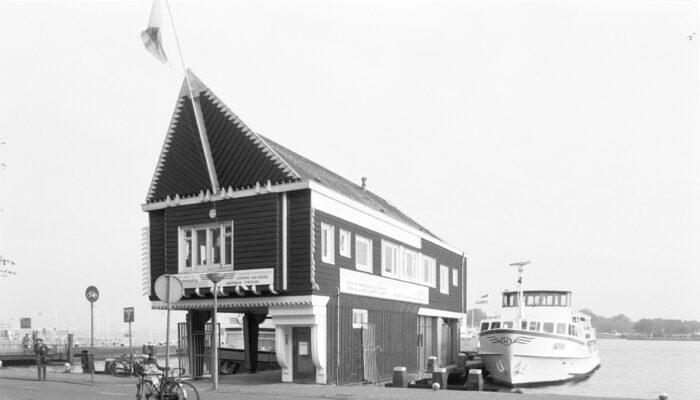 NACO-huisje Terug Op De Ruijterkade