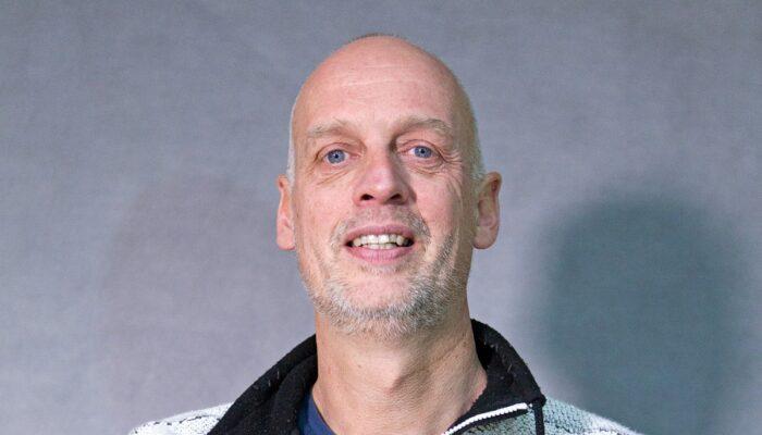 Friese Kunstenaar Maakt Beeld Johan Cruijff