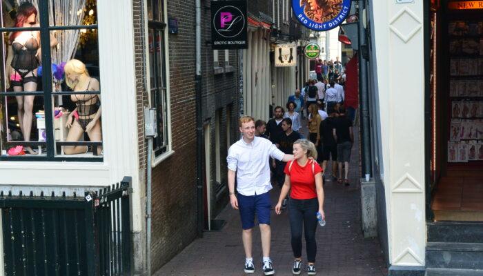 Jongeren: Prostitutie Weg Van De Wallen