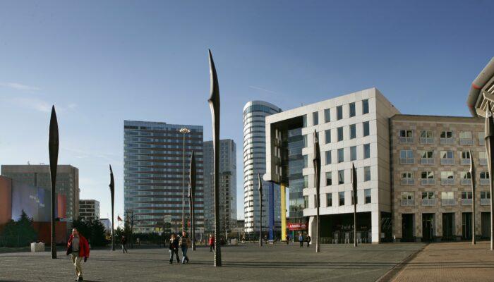 Kantoorcomplexen-nieuwe-stijl Bij Arena