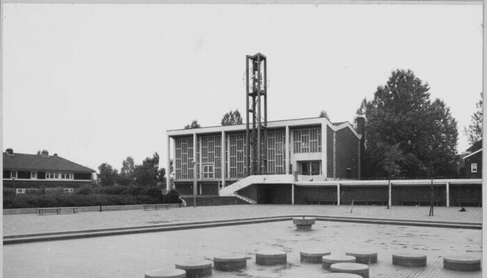 Nieuw Monument In Tuindorp Oostzaan
