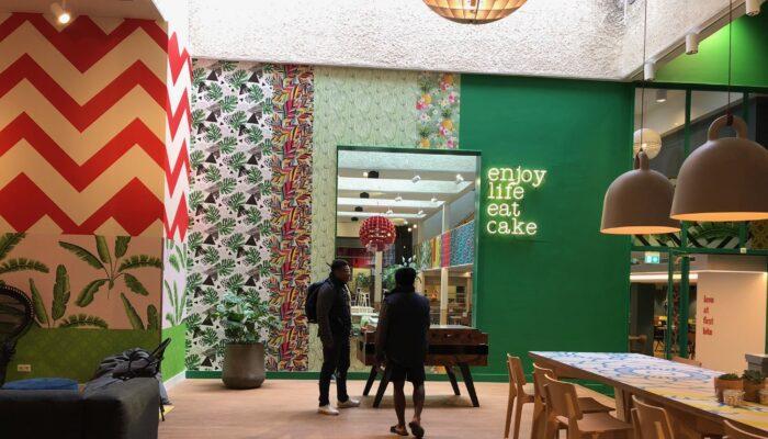Dubbel Feest Bij Stayokay In Oost