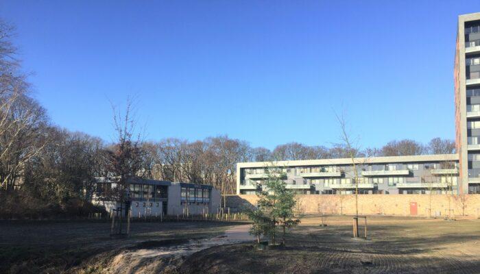 Buurtpark Met Clubgebouw Aan Mozartlaan Zeer Welkom