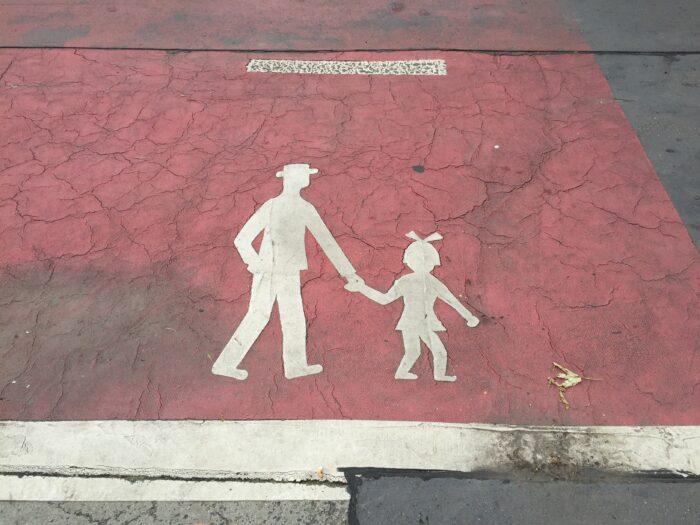 Ouders En Kinderen Vinden De Schoolstraat Zonder Autoverkeer Wel Zo Prettig.