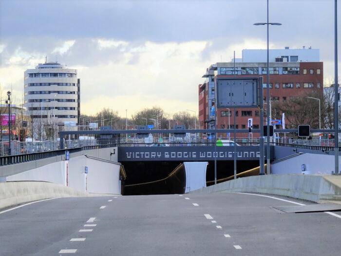 De In-/uitgang Van De Victory Boogie Woogietunnel, Onderdeel Van De Rotterdamsebaan.