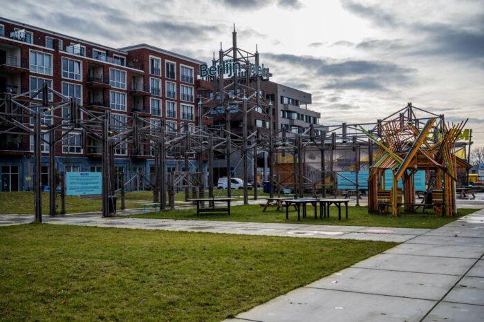 Op Het Berlijnplein Moeten Culturele Activiteiten Plaatshebben In Duurzame Gebouwen.