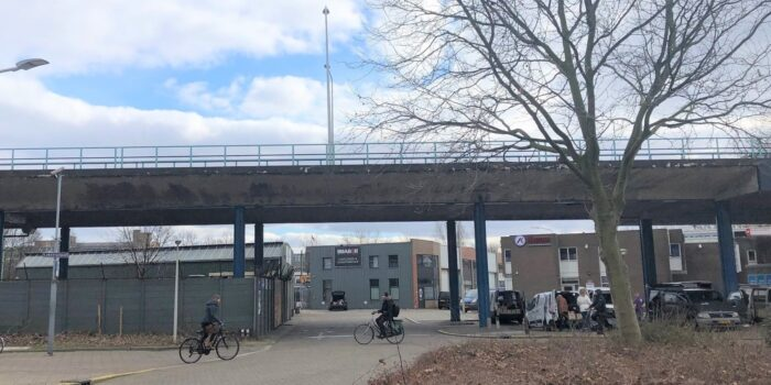 Het Nieuwe Prostitutiecentrum Is Gepland Tussen De Treinstations CS, HS En NOI.