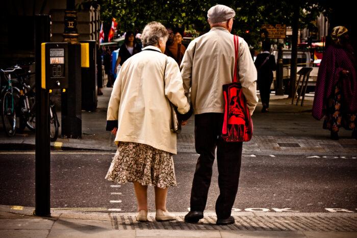 Eenzaamheid Onder Ouderen Is Een Groot Probleem…