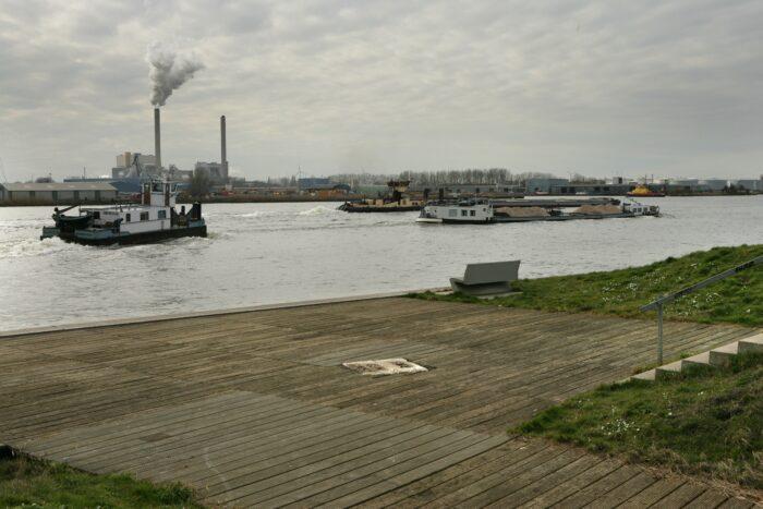 Het Cornelis Douwesterrein Wordt één Van De Gebieden Waar Haven-Stad Verrijst.