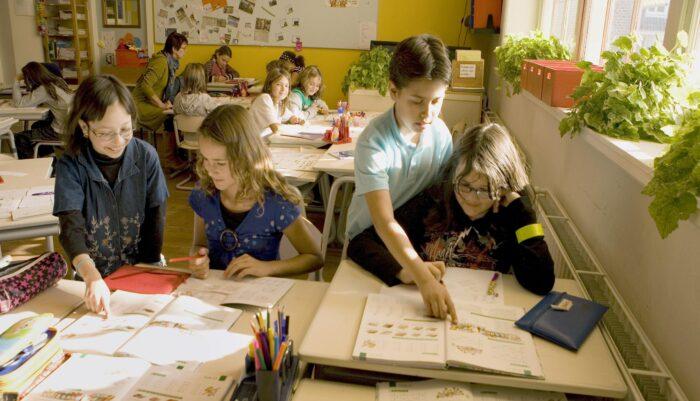 Kinderen Leren Allerlei Vaardigheden In Burgerschap Met Het Programma De Vreedzame Wijk.