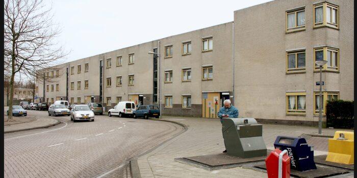 De Verhuiswagen Zal In Augustus De Floraweg Inrijden.