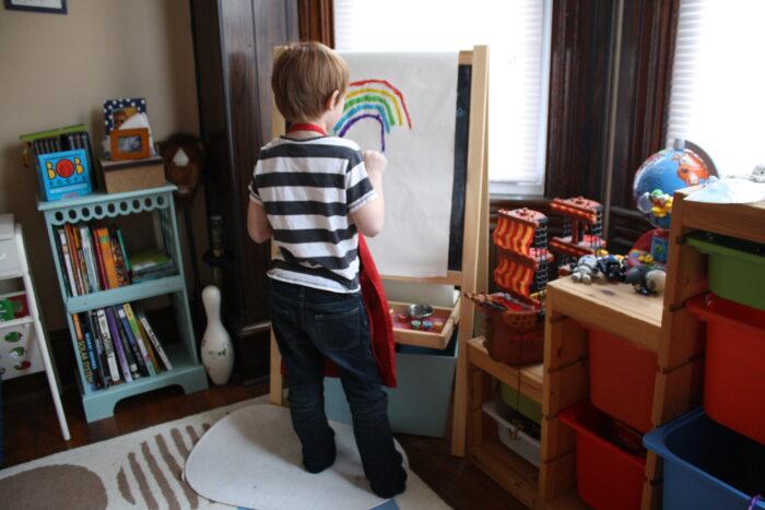 Basisschoolkinderen Vertellen Verhalen Met Hun Schilderkunst.