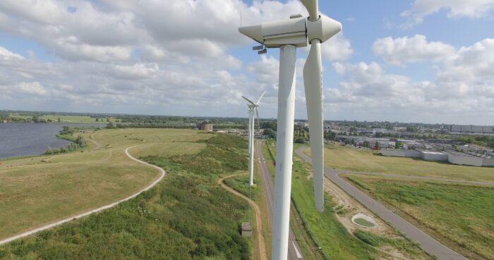 Er Staan Al Windmolens Langs Schoteroog In De Waarderpolder, Die Leveren Duurzame Energie