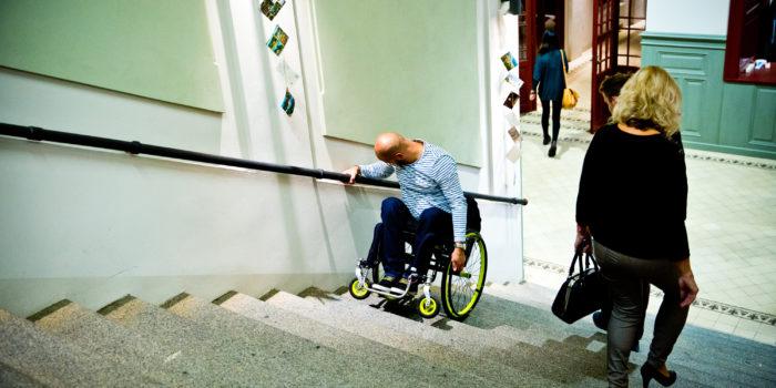 Voor Iemand Met Een Beperking Zijn Er Veel Obstakels. Is Tilburg De Meest Toegankelijke Gemeente?