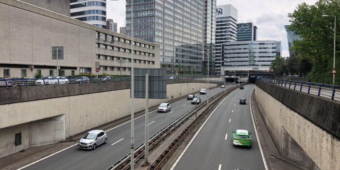 Dagelijks Rijden Zo'n Zestigduizend Auto's Over Dit Stukje Van De Utrechtsebaan.