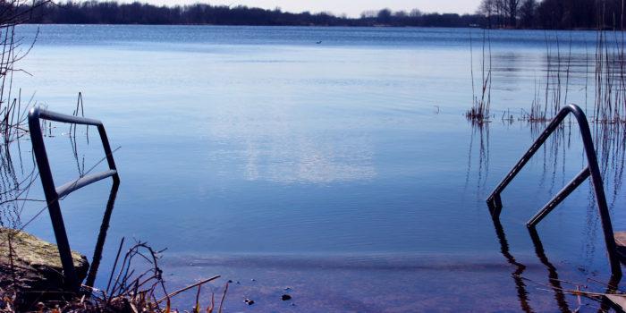 In De Zomer Is Het Heerlijk Zwemmen In De Gaasperplas.