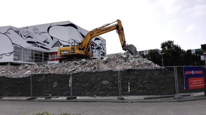 De Eerdere Renovatie Van Het Wagnerplein. Op De Achtergrond Sportcomplex Drieburcht