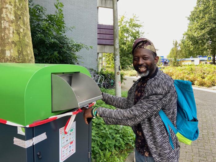 Johnson Adeniyi Adesida Bij De GFE-cocon.